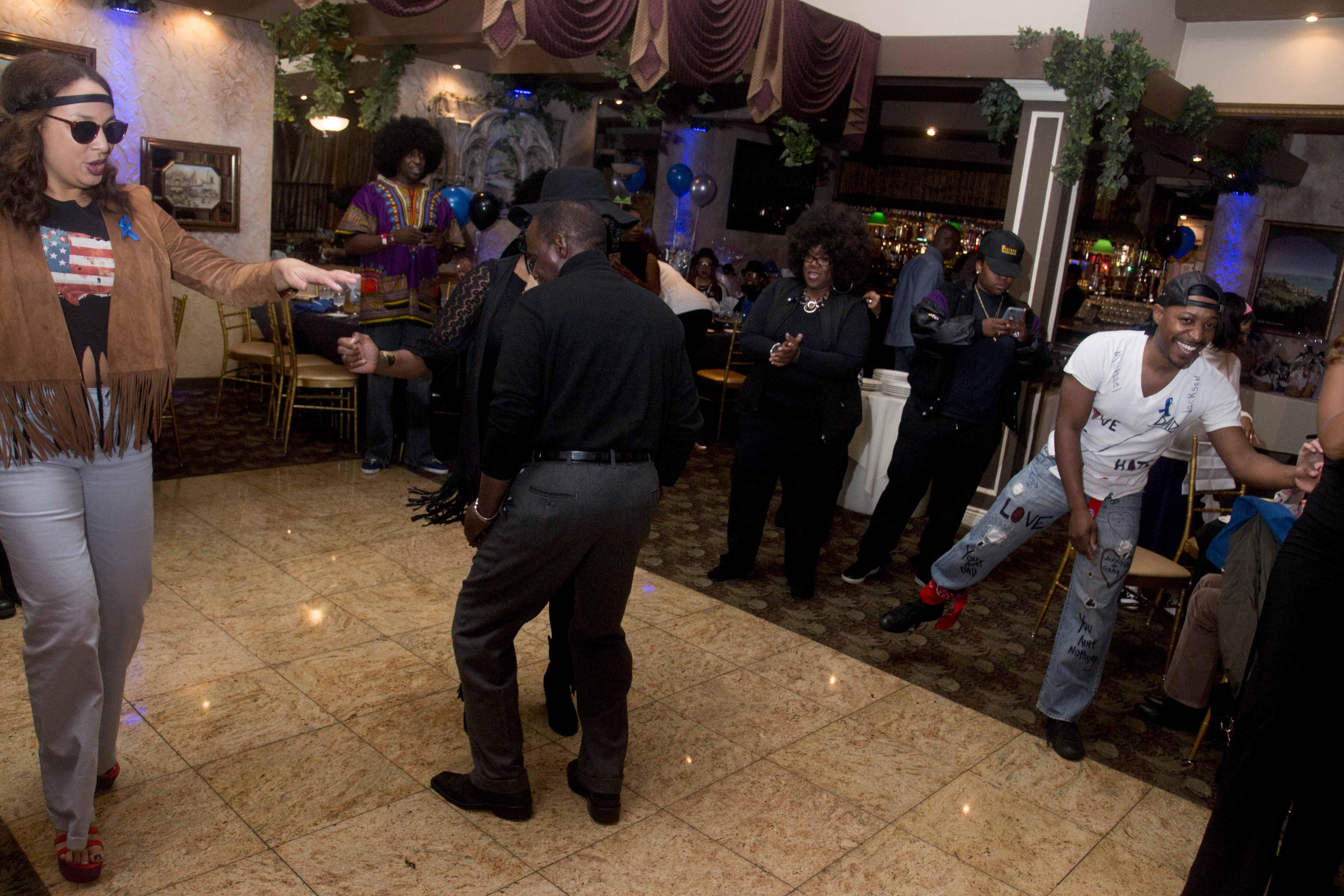 L-Train Memorial Foundation - Throwback Jam (Bella Italian Restaurant, Orange, NJ) 10-28-16_0095
