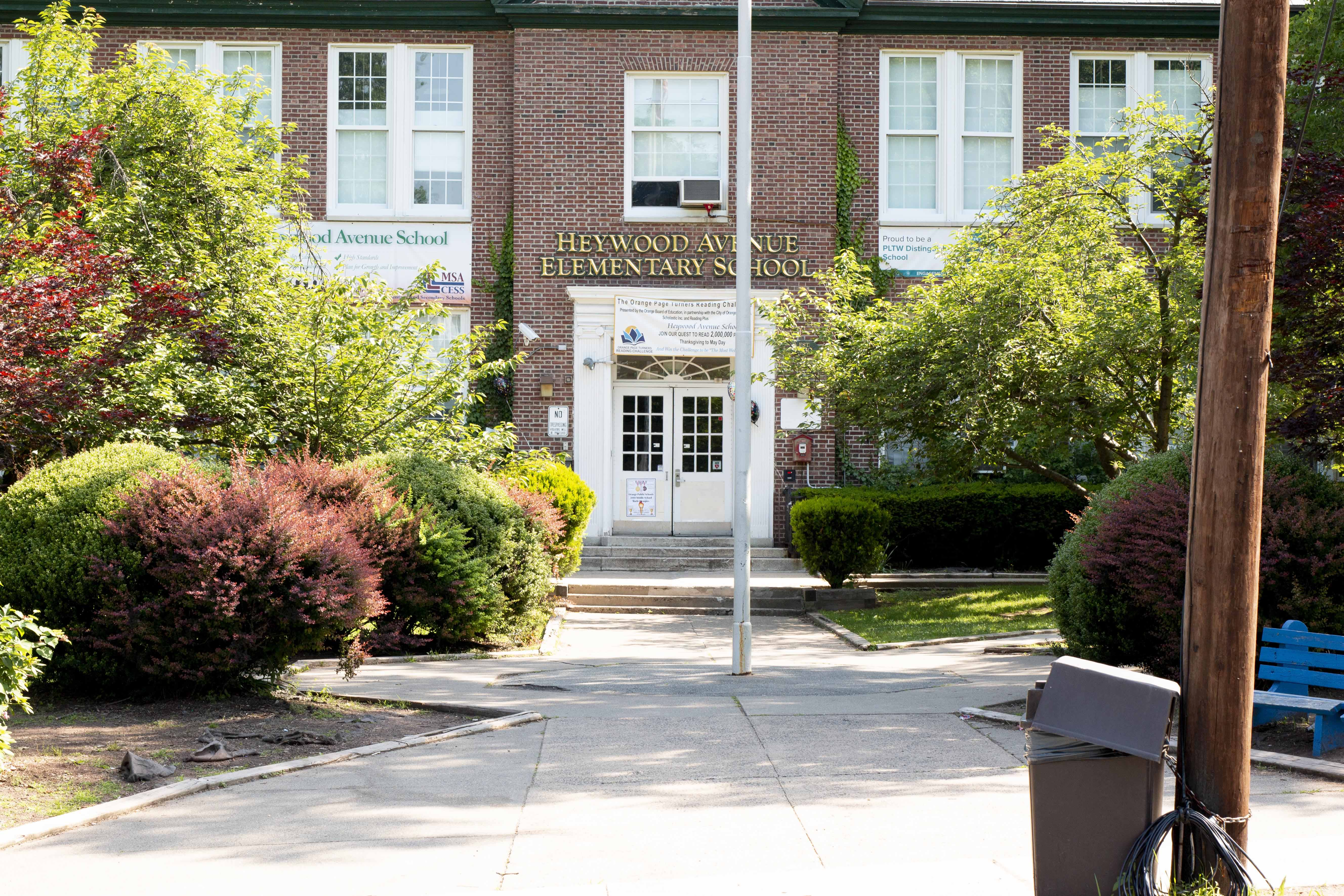L-Train Memorial - #SupportASon (Heywood Avenue Elementary School, Orange NJ) 06-09-18_0001