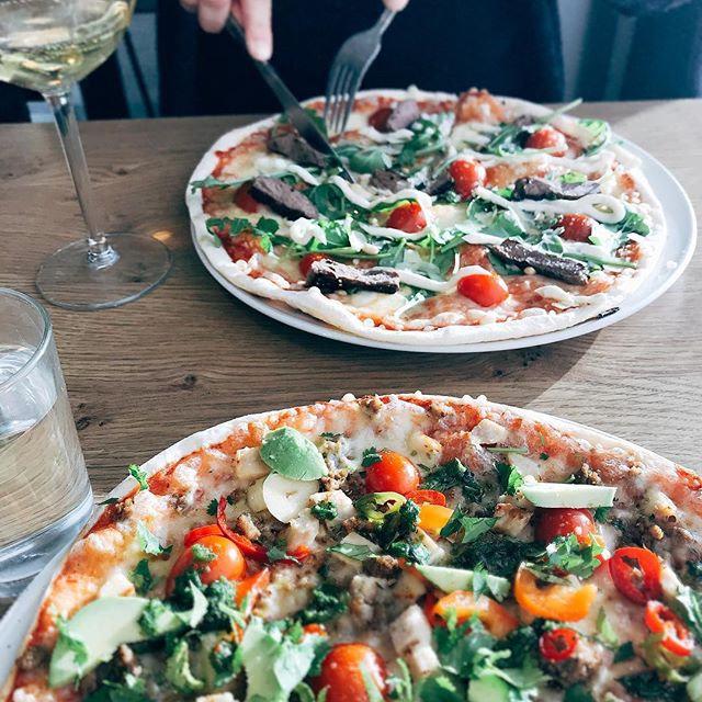 Pizza on parhaimmillaan hyvässä seurassa