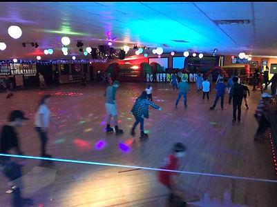 Group Skate.jpg