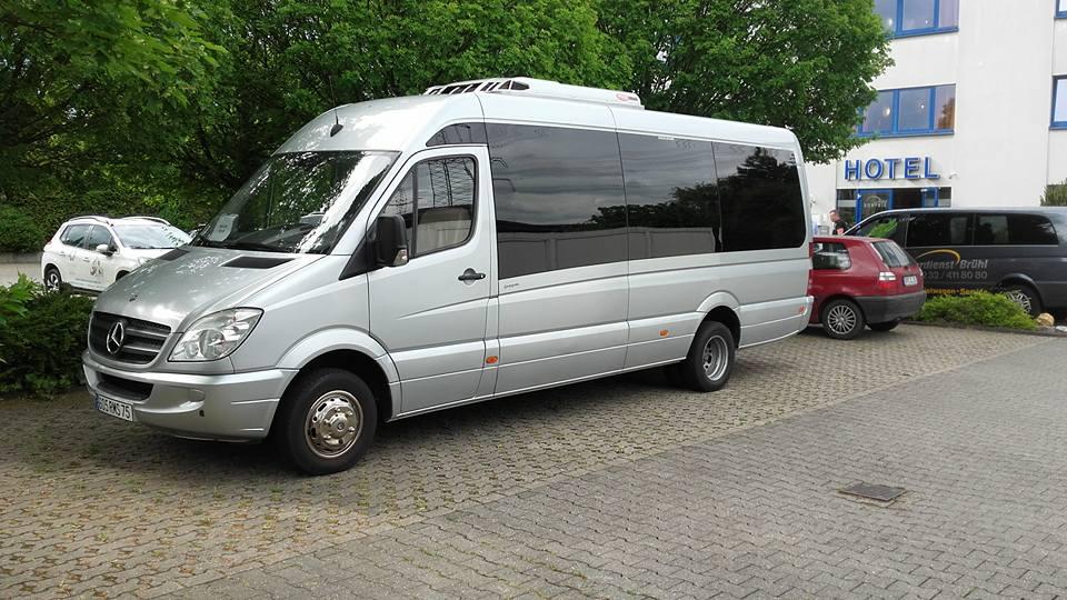 minibus 15 p