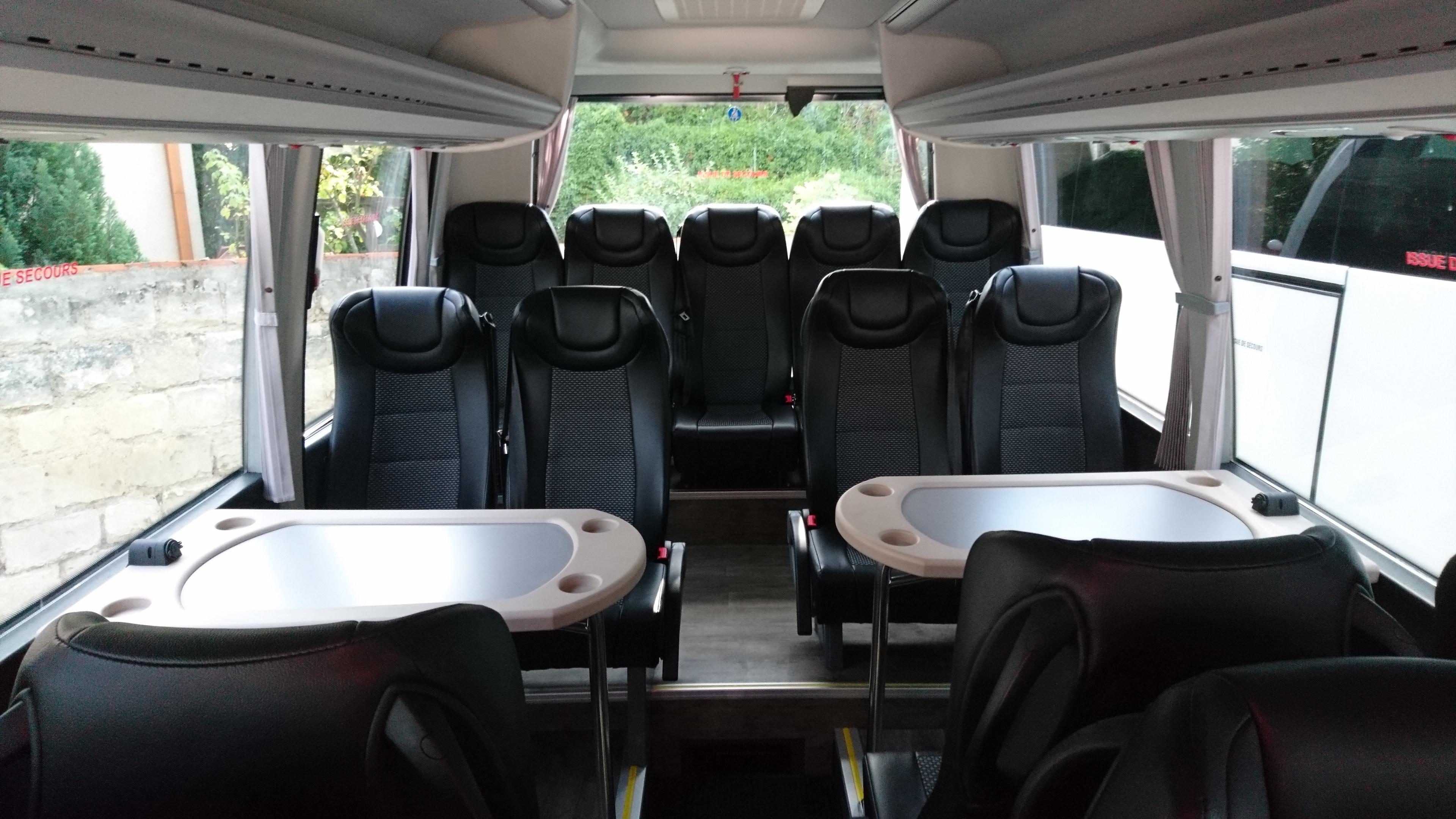 Grand Minibus