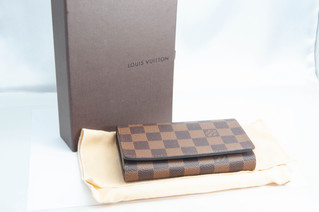 LOUIS VUITTON(ルイヴィトン) N61736 ポルトフォイユ・トレゾール ダミエ 二つ折り財布 お買取りしました お宝専科豊橋店