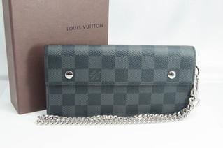 LOUIS VUITTON(ルイヴィトン) N60023 ダミエグラフィット ポルトフォイユ・アコルディオン ブランド品 財布 お買取りしました お宝専科豊橋店
