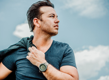 BATTERIES PLUS SIGNS FIRST ARTIST PARTNERSHIP WITH BILLBOARD NO. 1 CHARTING ARTIST LUCAS HOGE