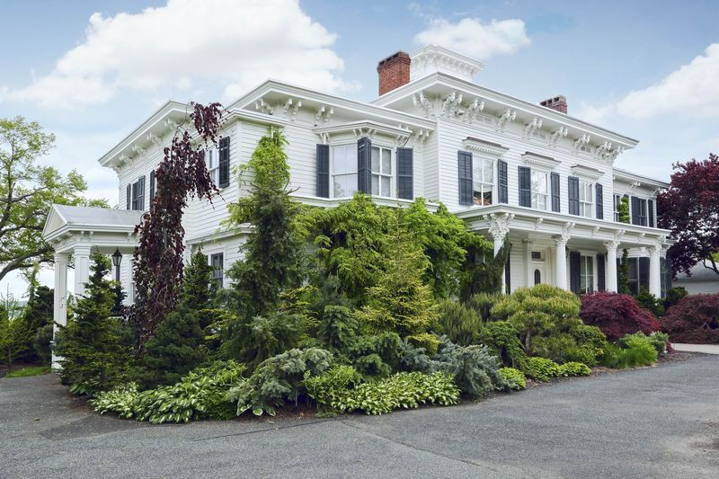 Arader estate with 6,000 square feet of interior space and $2 Million Worth of Trees