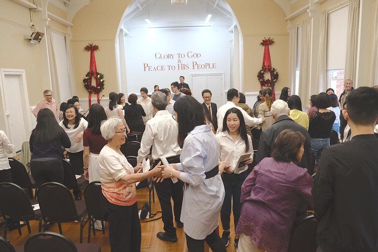 Congregation shaking hands on Christmas 2019_edited.jpg
