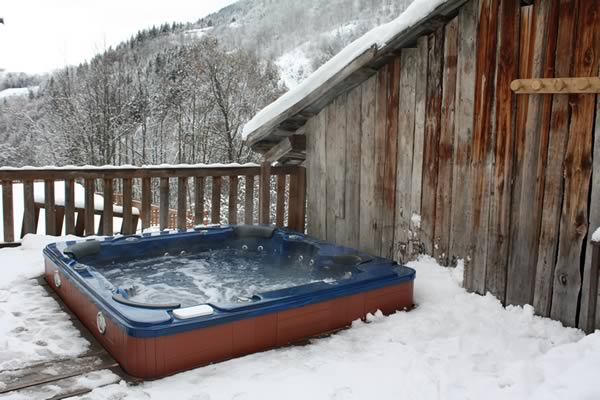 chalet-hot-tub