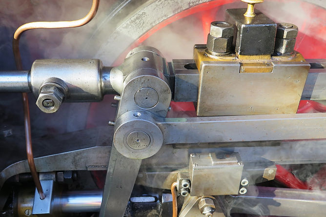 Wheel%2520of%2520the%2520famous%2520Schnaagi%2520Schaagi%2520Locomotive_edited_edited.jpg
