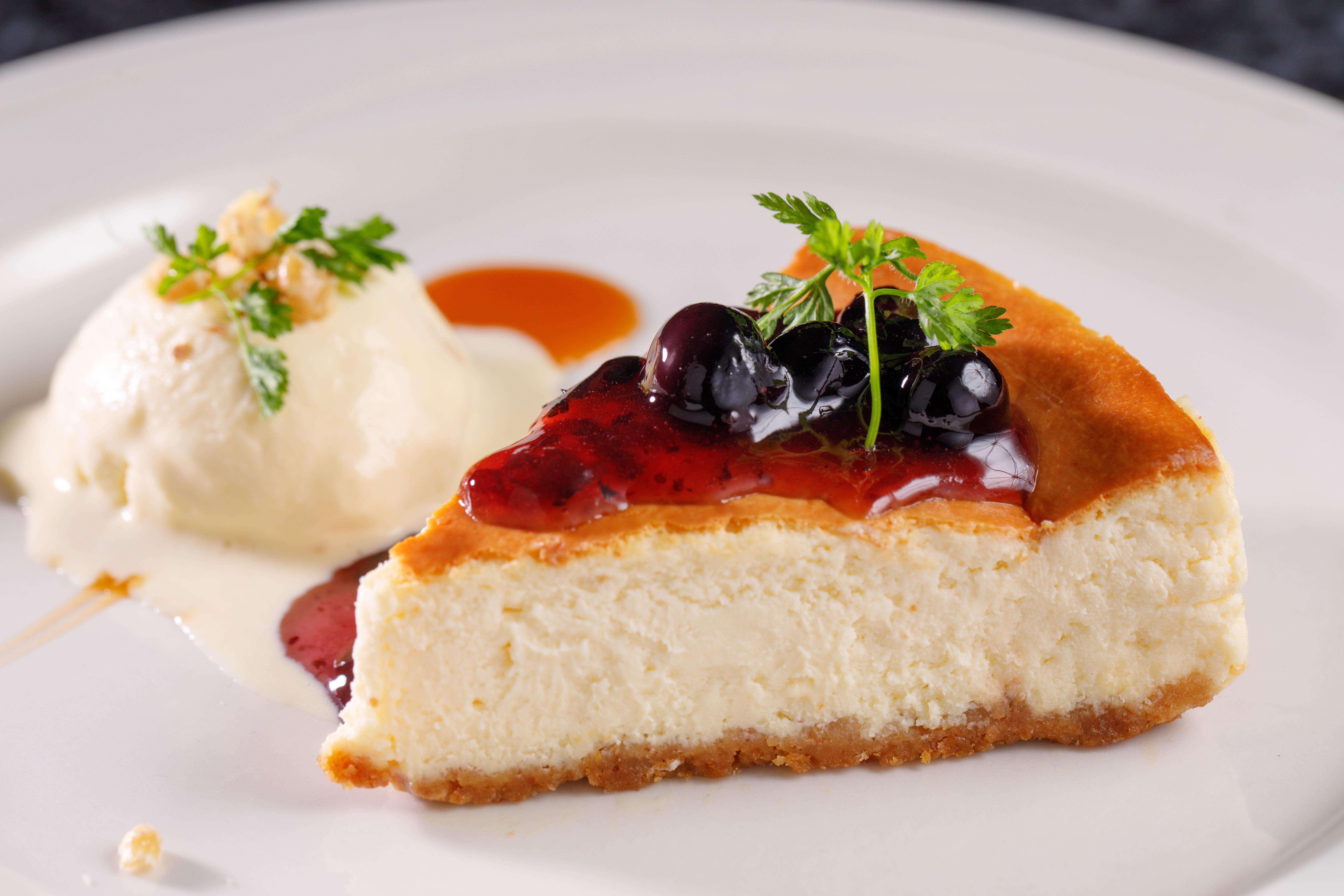D- 經典檸檬起司蛋糕佐藍莓果醬