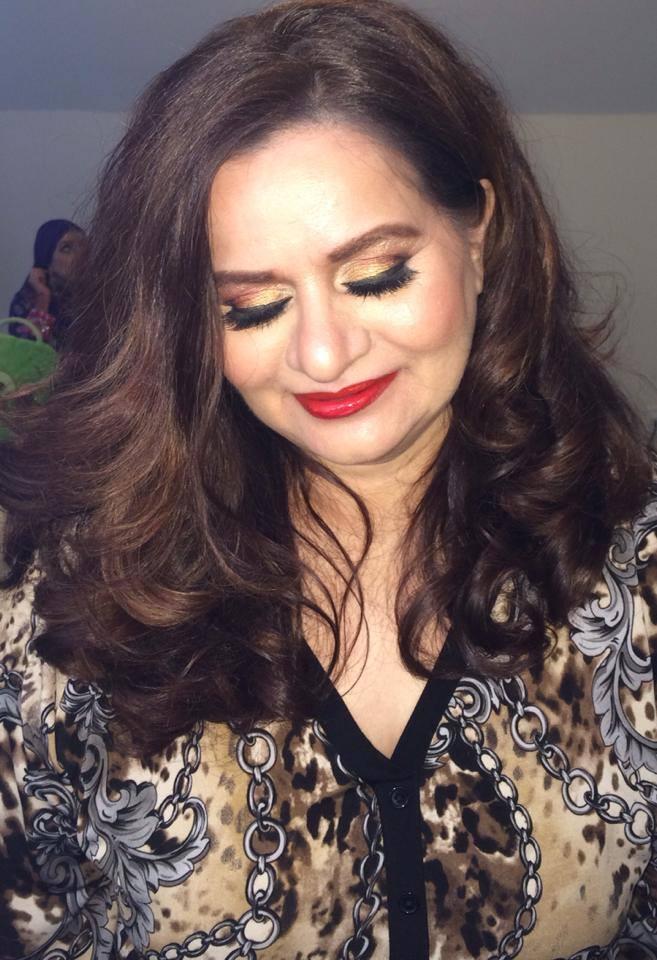 Mature makeup artist