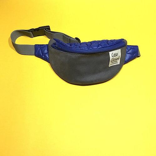Nerka case closed pikowany niebieski top