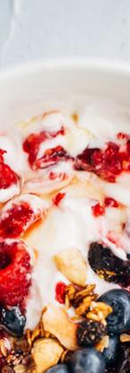 Berries and Oatmeal Yogurt