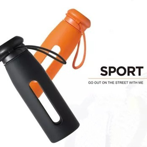 GLASS WATER BOTTLE WITH SILICONE SLEEVE GREEN