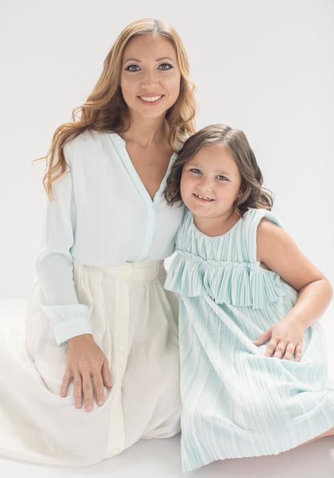 mother-daughter-portrait-photographer-ji
