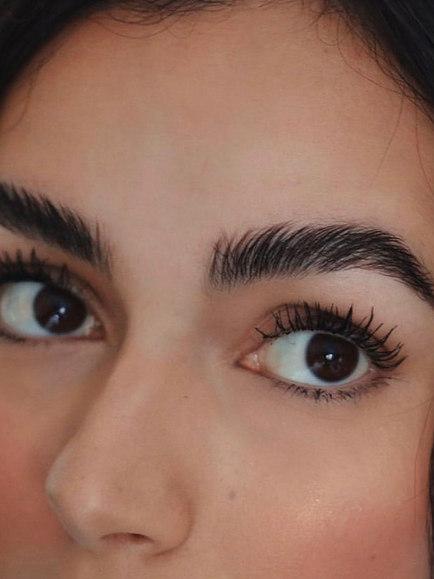 eyelash extensions and brow tint salon bath