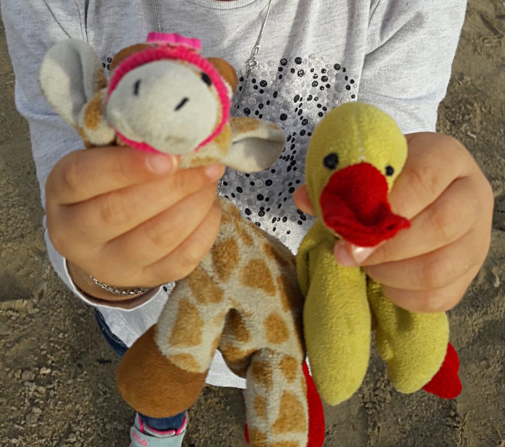 Doudous canard et girafe