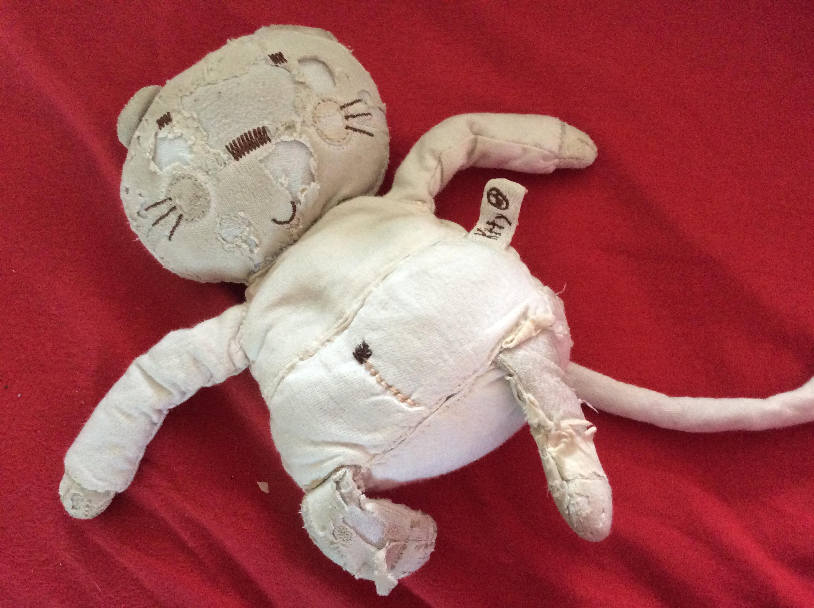 Doudou chat en coton gris-beige