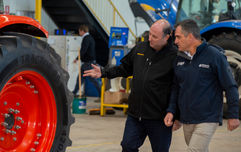 Ag Tyres & Wheels - Mick Carbone and client Simon Codemo
