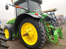 Ag Tyres & Wheels - John Deere 8370R