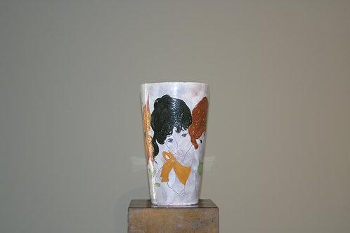 Grand vase avec décor de femmes
