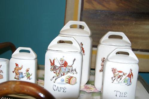 Six pots à épices