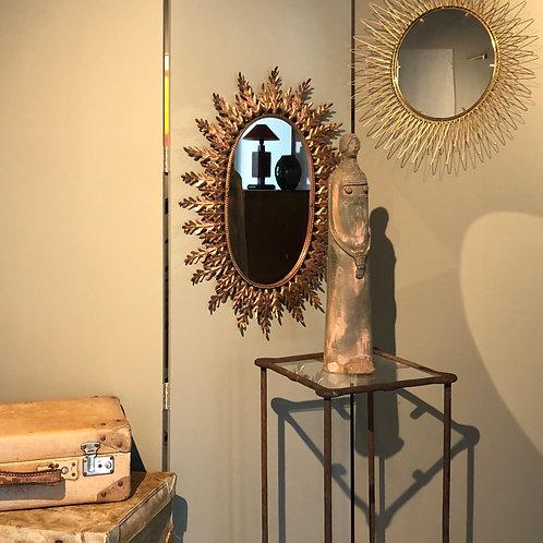Miroir en cuivre avec détails floraux