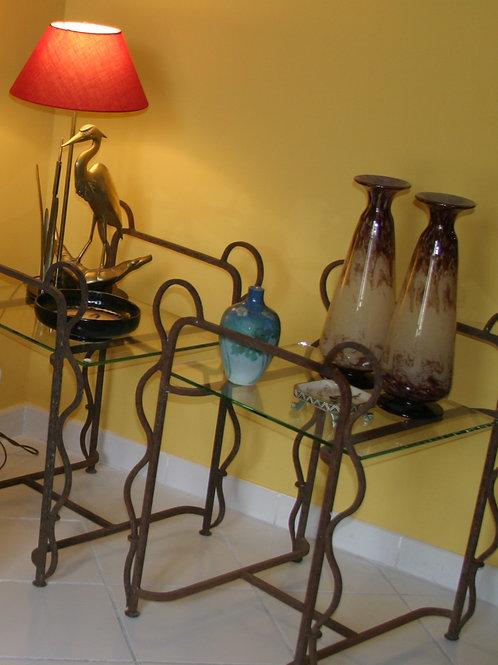 Table d'appoint en fer et verre