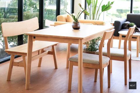 ชุดโต๊ะกินข้าวไม้