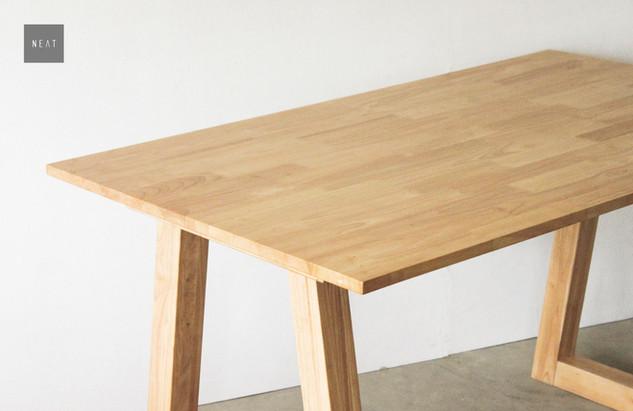 VIDE TABLE