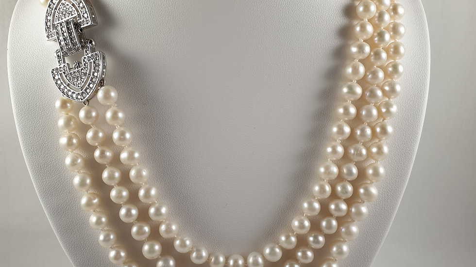 Pearl necklace triple strand with silver clasp