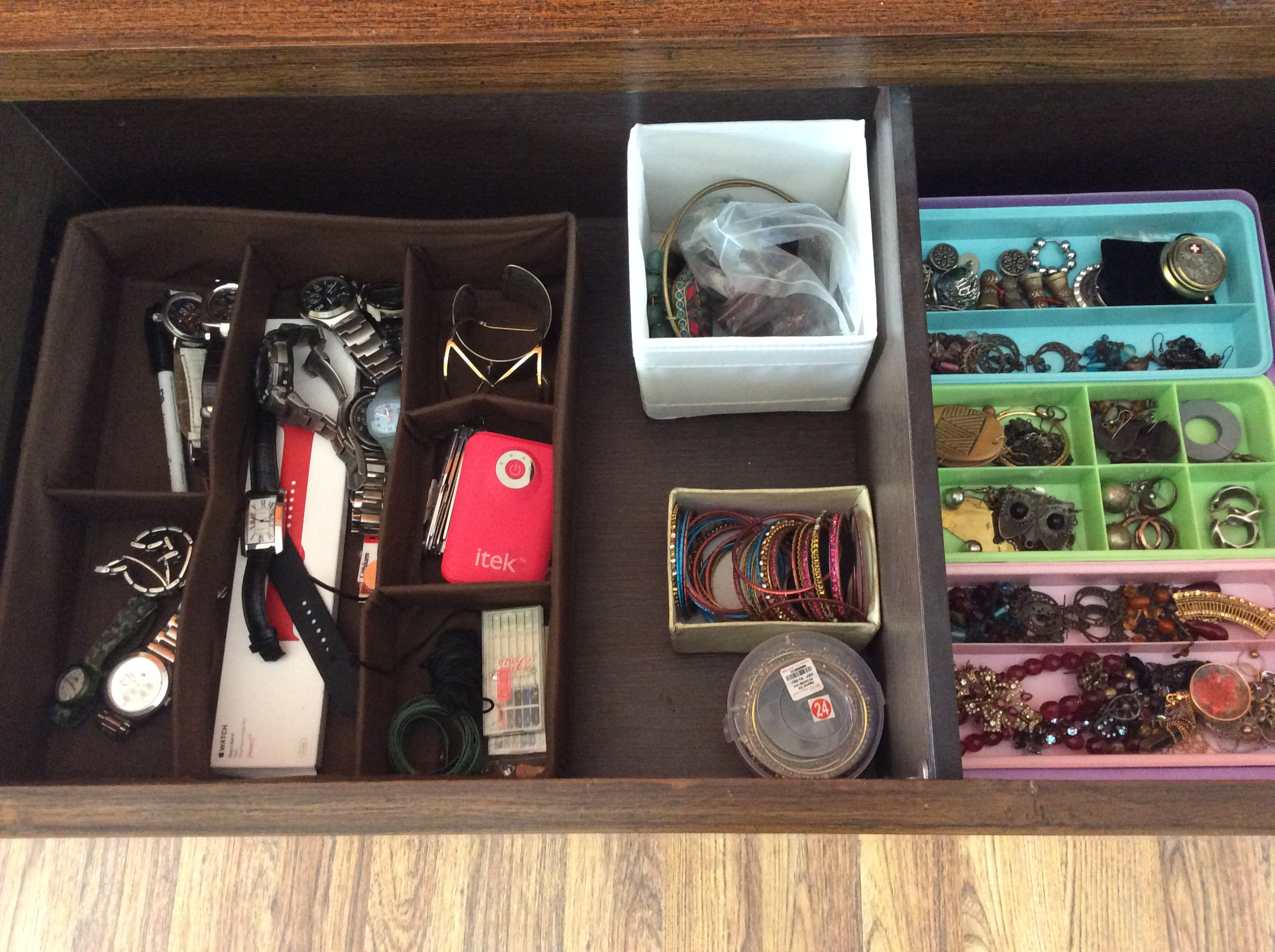 Organized Jewelry Drawer
