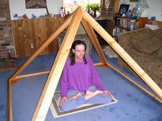 The Deluxe Giza Meditation Pyramid