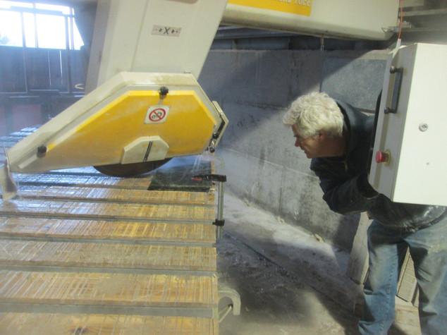 $100,000 Stone Pyramid Cutting Machine