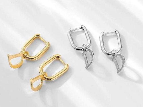 D - Harf Küpe Gümüş Renk