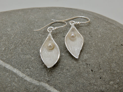 Pearl and Silver Lily Delicate Earrings