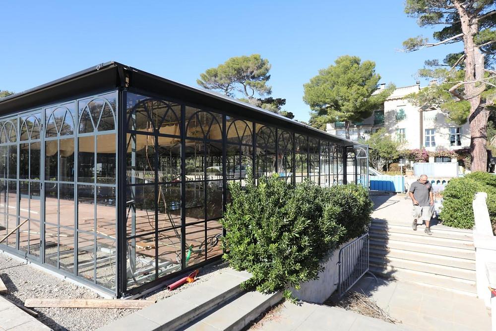Ouverture prochaine de deux magnifique salles de réception Orangeraies en verre et acier fabriqué par Abri and Co