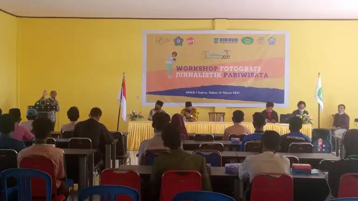Dibuka Ketua STP Mataram, Workshop Fotografi Jurnalistik Tingkat SMA Resmi Digelar