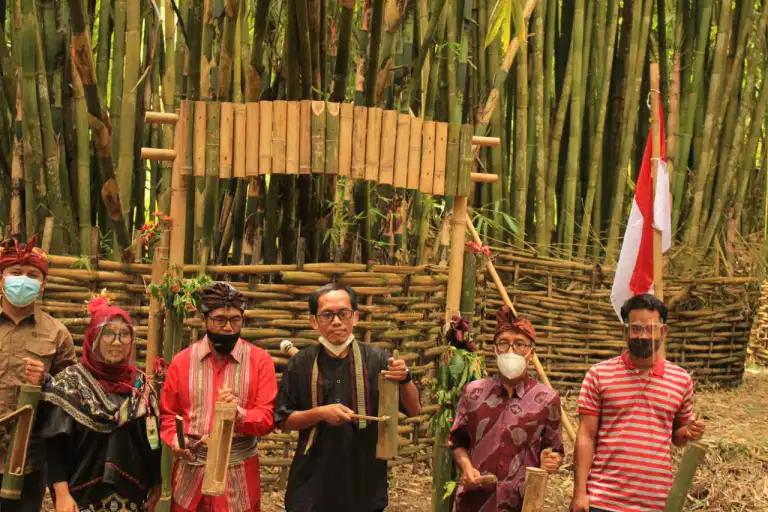 "STP Mataram Launching Ekowisata Bambu ""Aur Sembalun"""