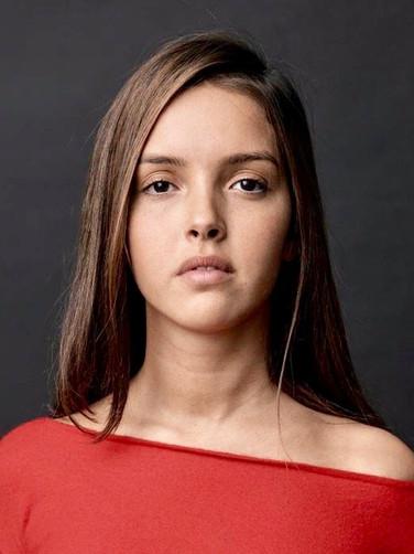 Lyna Khoudri