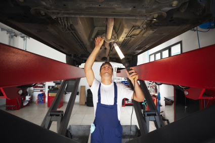 בדיקת תחתית ומרכב הרכב
