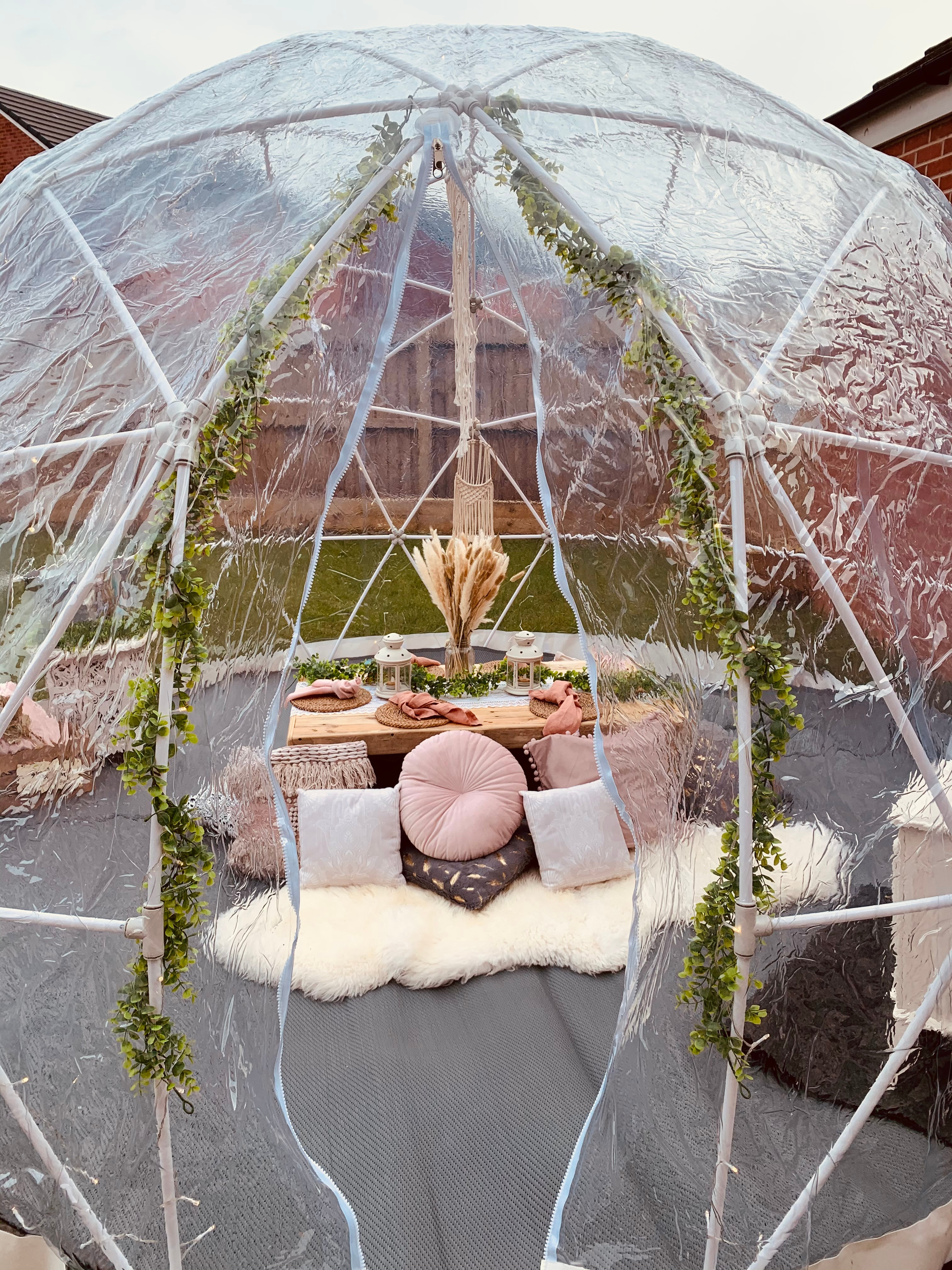 Picnic Dome Cardiff only