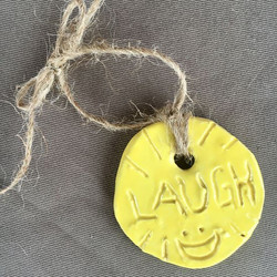 S-Art-Pendant-Laugh