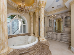 Owner's Suite Spa Bath
