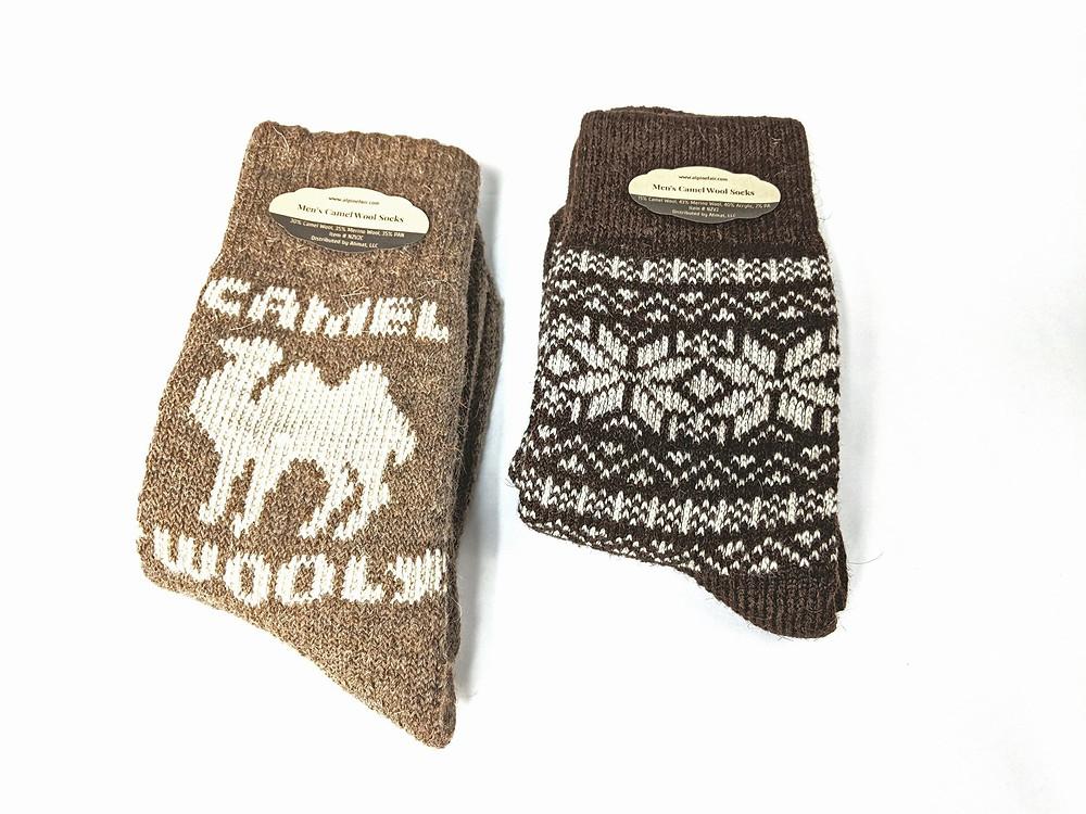 Носки из верблюжьей шерсти, представленные в зимней коллекции Alpine Fair by Ahmat - Фото: The Sock Review