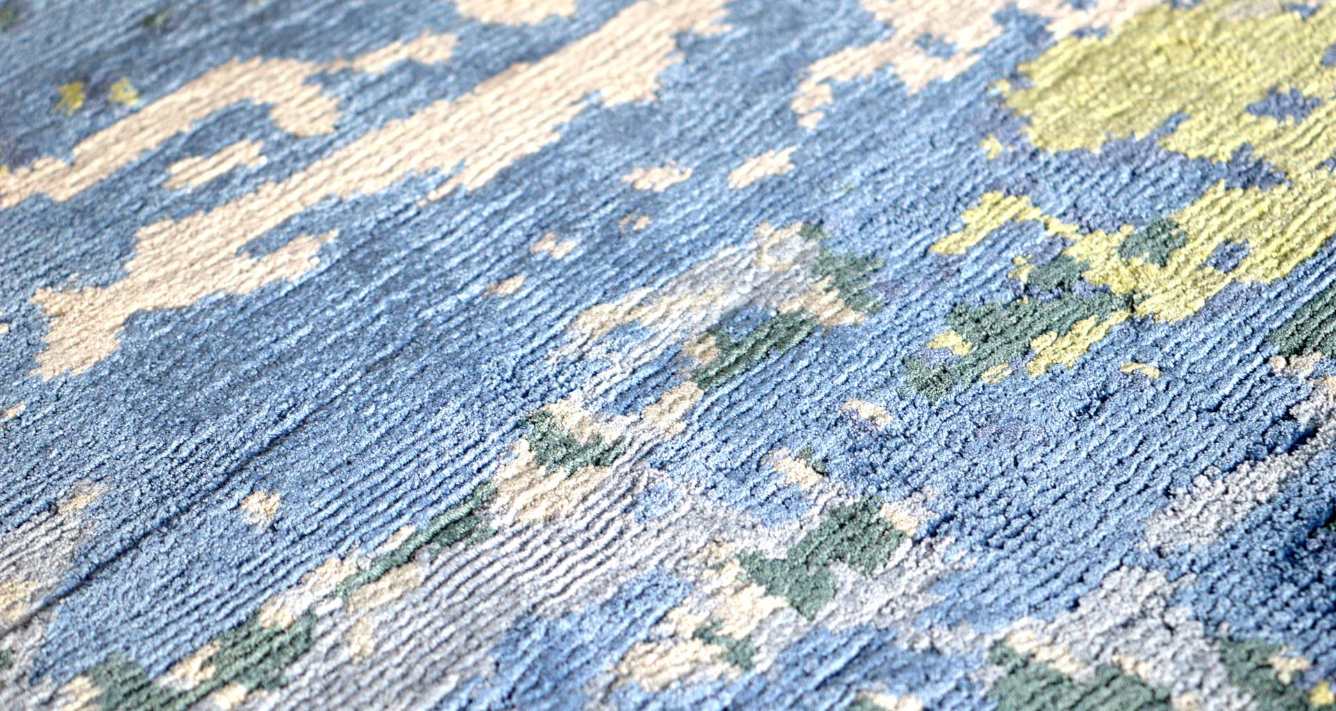 Référence N° 542/18 Composition :  100% Silk Construction : Hand-Knotted Qualité : 100 Knots