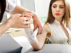 Bandaging hand patient in hospital.jpg Sharpness of hand.jpg