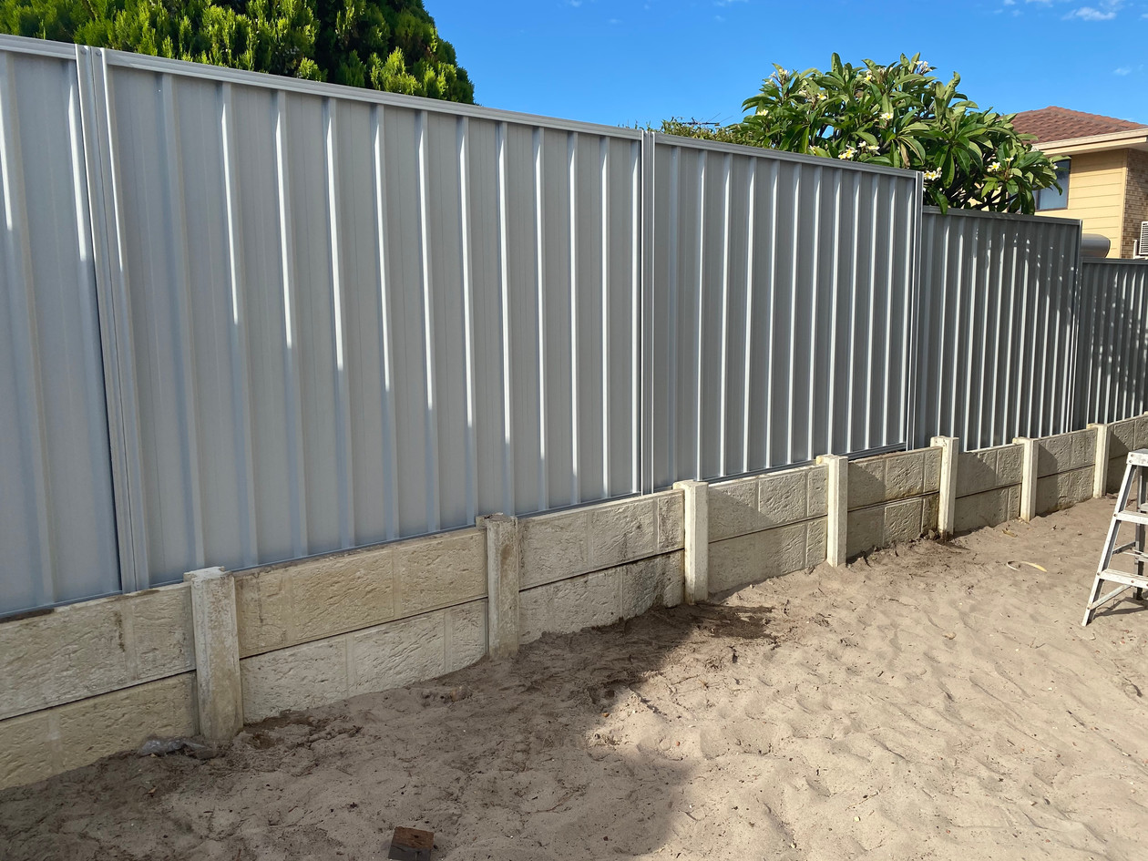 Colorbond Fence.  Colour: Shale Grey