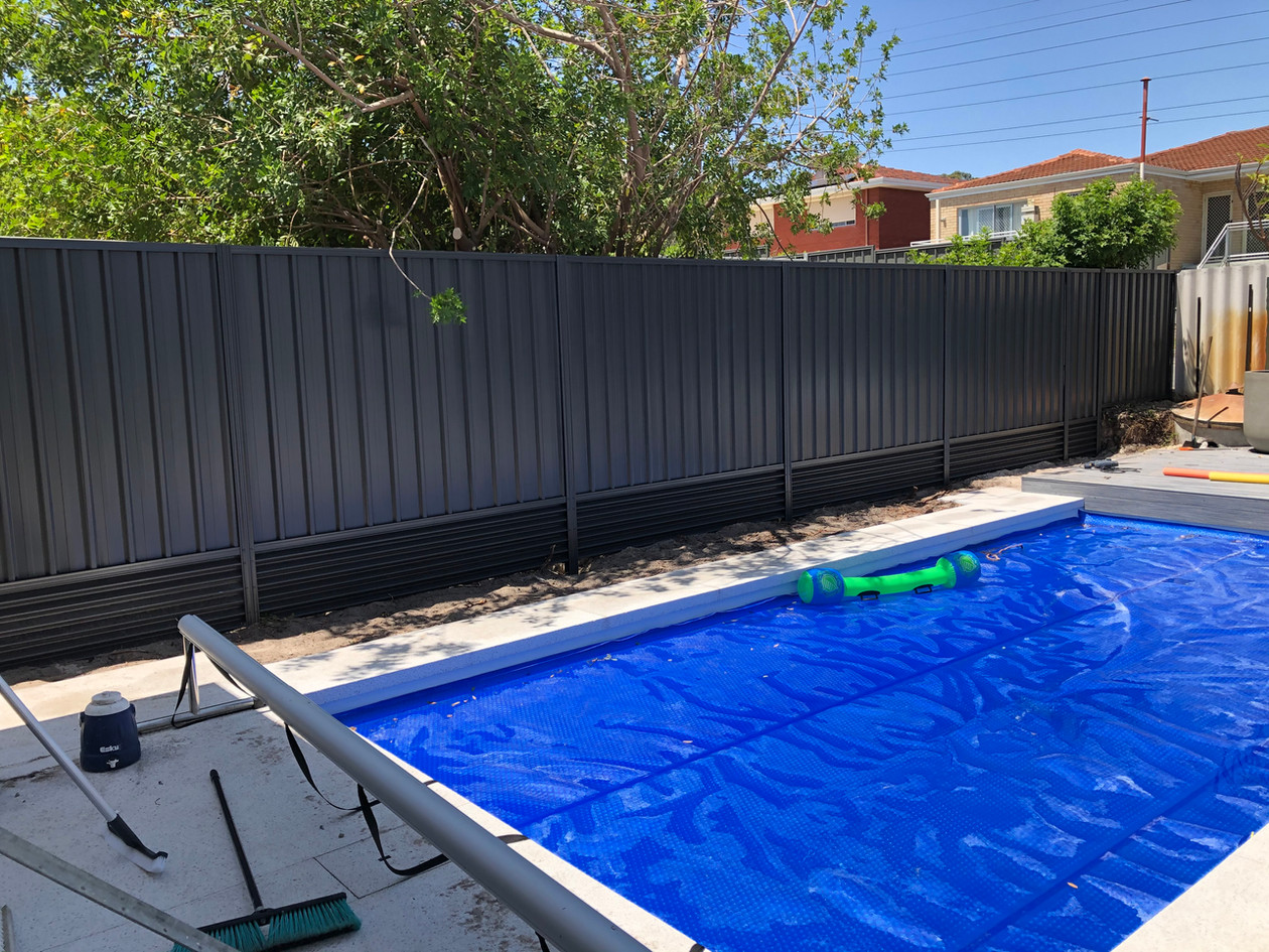 Colorbond Fence with Retaining, Dianella