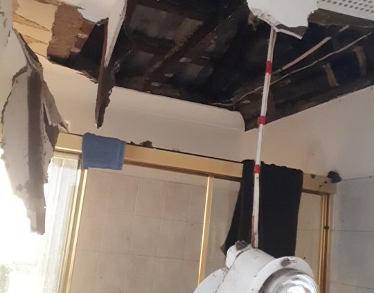 Damaged roof perth, collapsed roof perth, Gutter cleaning perth, Gutter repairs perth, clean gutters perth, gutter cleaning western australia, clean gutters in Perth